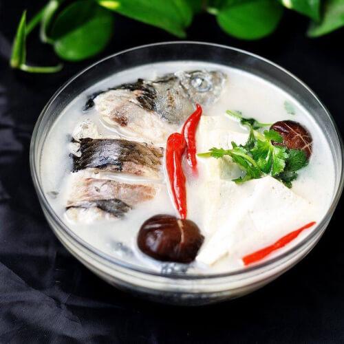 家乡河鲫鱼煮豆腐