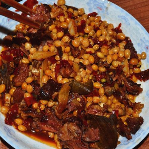 板鸭炖大豆