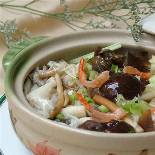 杂菌老鸡汤