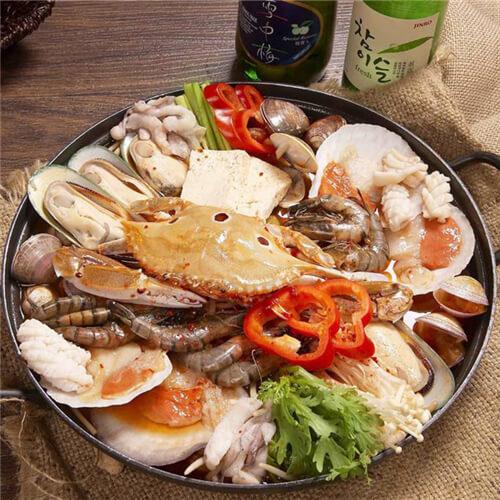 酸菜海鲜煲