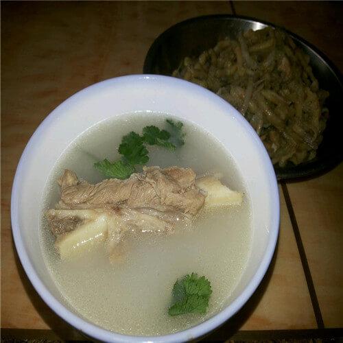 鱼腥草龙骨汤