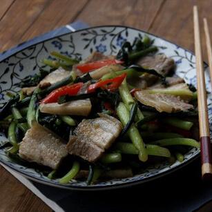 红菜苔炒五花肉