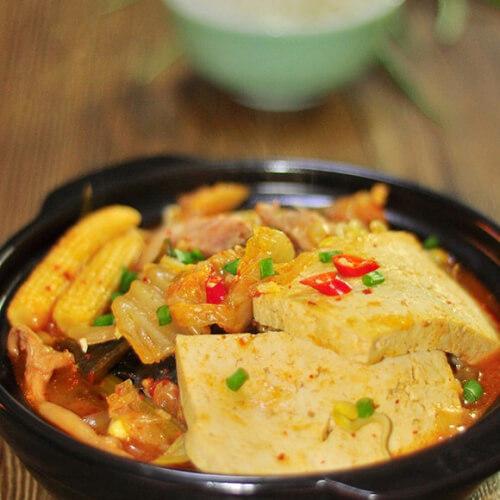 辣白菜海鲜豆腐锅