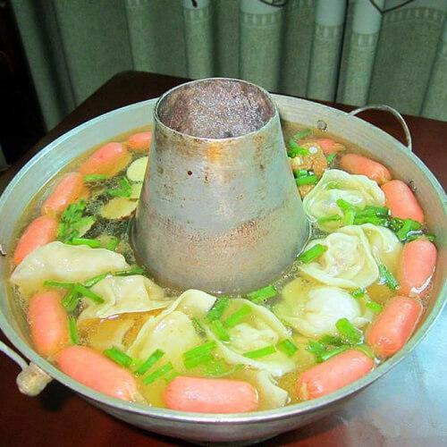 排骨馄饨饺子锅
