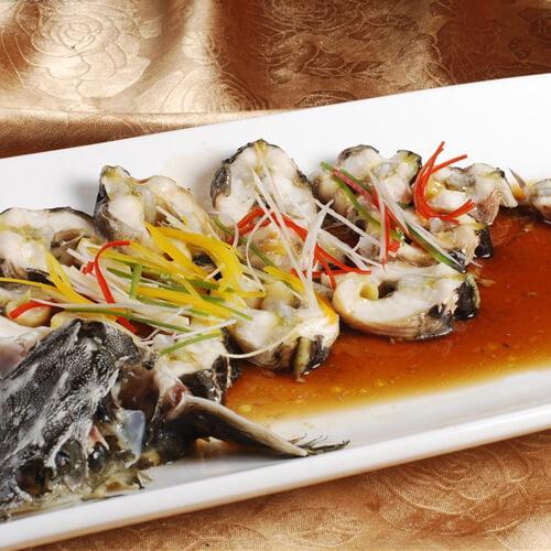美味的清蒸鲟鱼