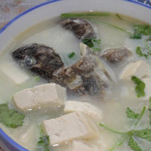 黑鱼炖豆腐