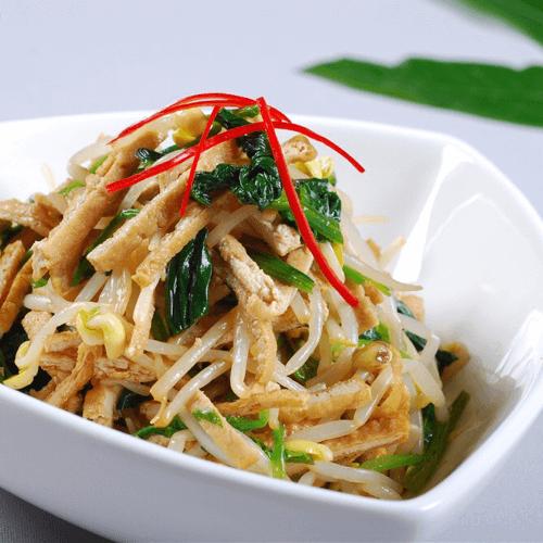 绿豆芽炒鸡肉