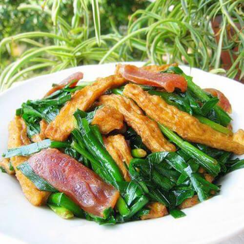 香肠炒韭菜
