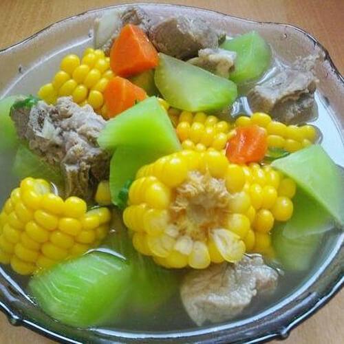 玉米莴笋排骨汤