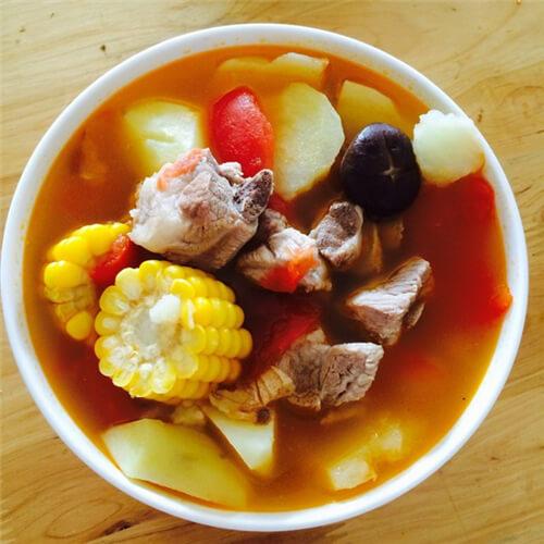 黑玉米番茄排骨汤