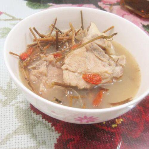 五叶神煲猪骨胡萝卜