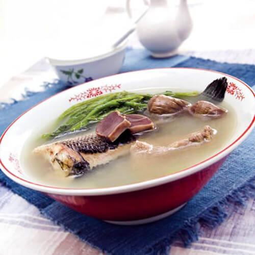 西洋菜蜜枣鲫鱼汤