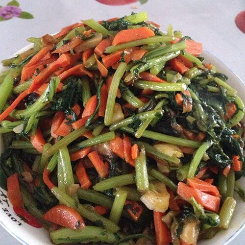 胡萝卜烩双菇