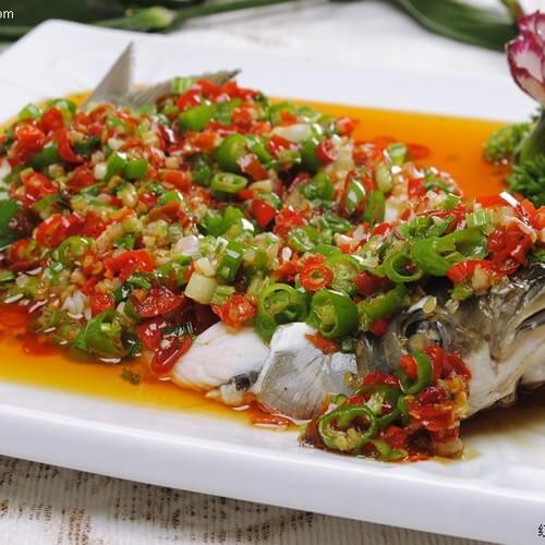 香葱焖草鱼