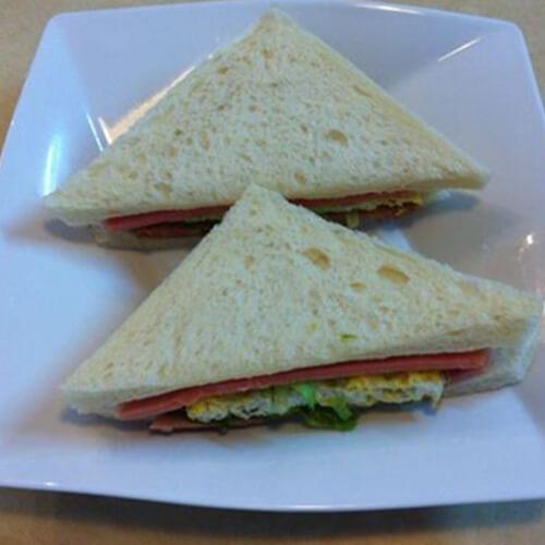 午餐肉三明治