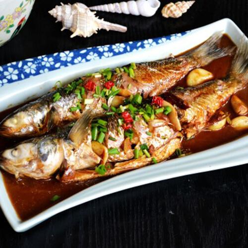 蒜子烧鲻鱼