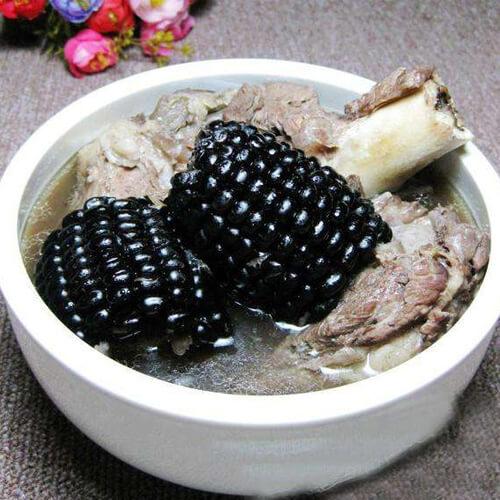 大棒骨炖黑玉米