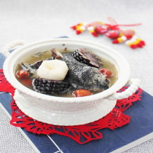 黑玉米马蹄乌鸡汤
