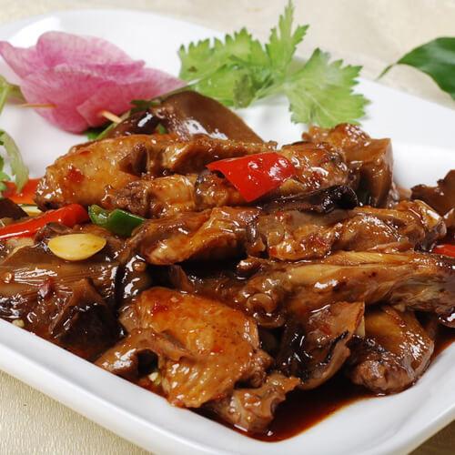 木耳香菇烧鸡翅