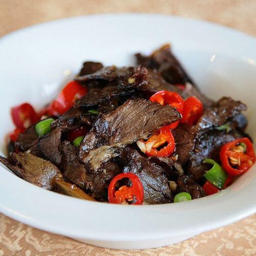 卤牛肉下锅