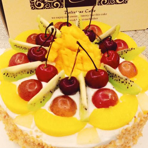 水果奶油蛋糕