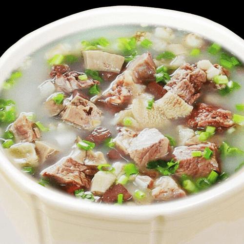 美味的滋补羊肉汤