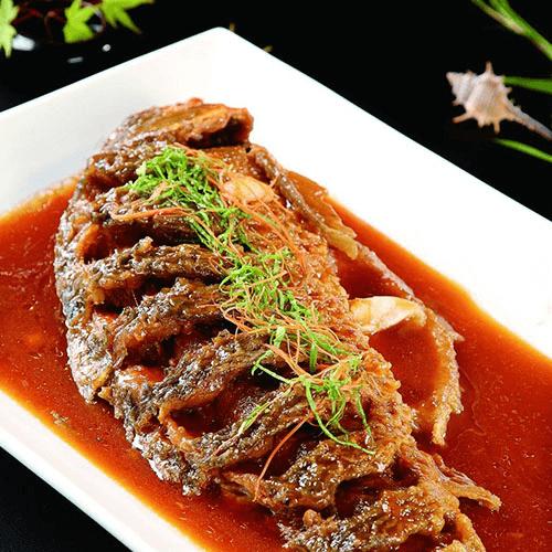 营养丰富的红烧鲤鱼