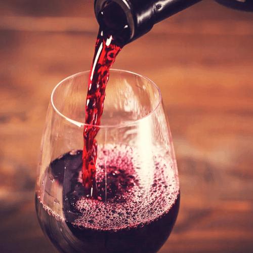 家庭自制红葡萄酒