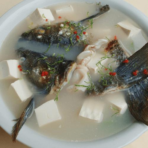 独特的鱼头汤