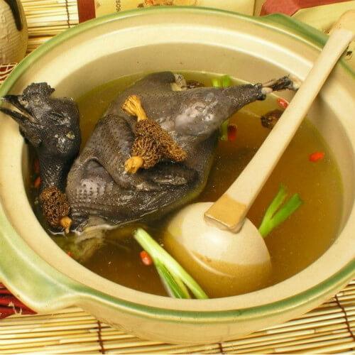 金虫草蜜枣乌鸡汤