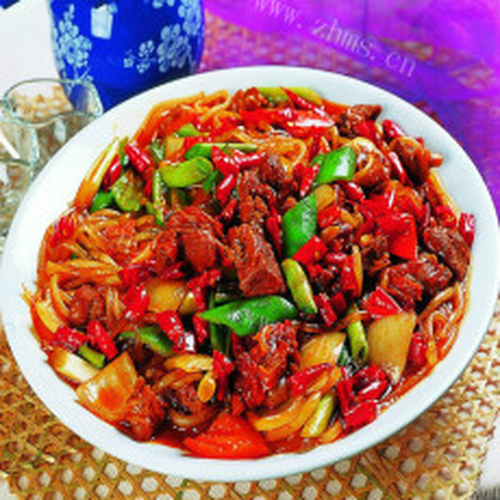 辣椒炒肉丁