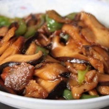 美味的香菇炒肉