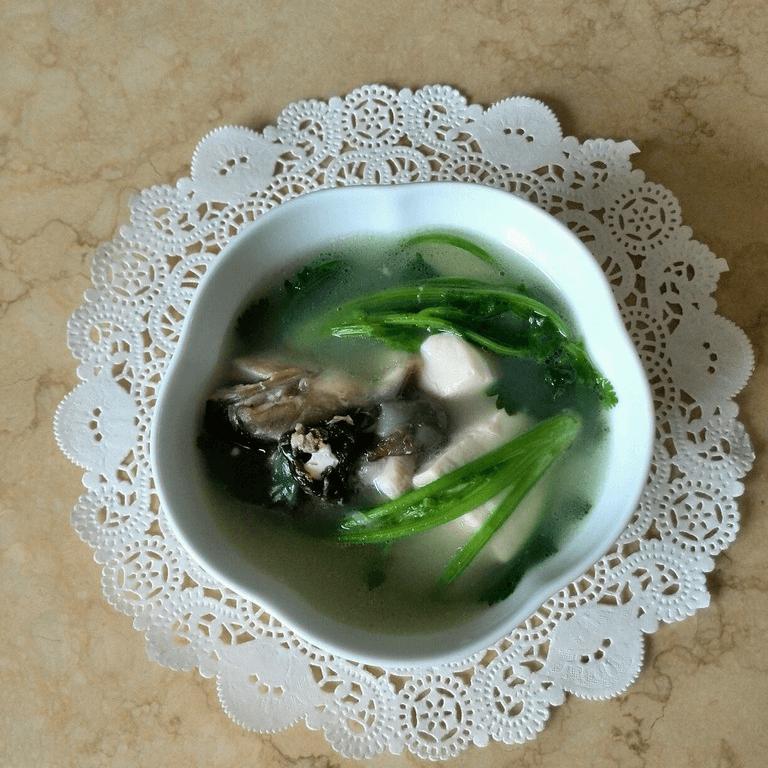 香菜豆腐鱼头汤