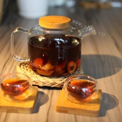美味的桂圆红枣茶