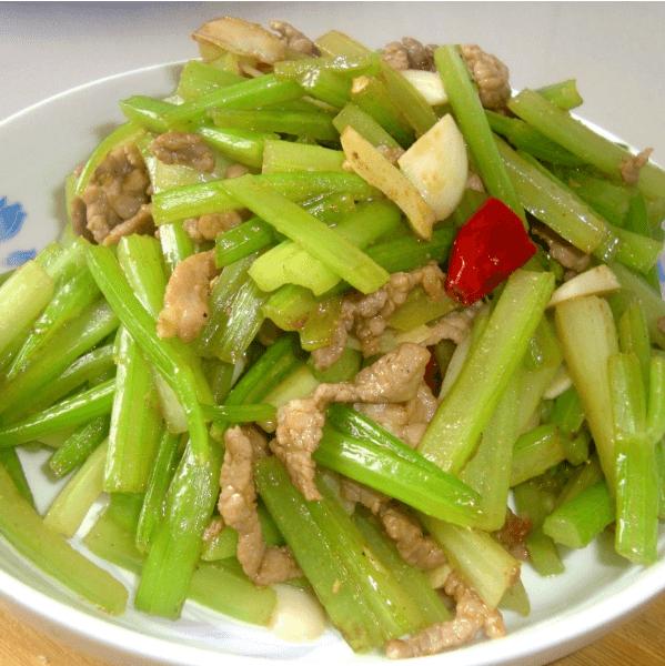 简单的芹菜炒肉