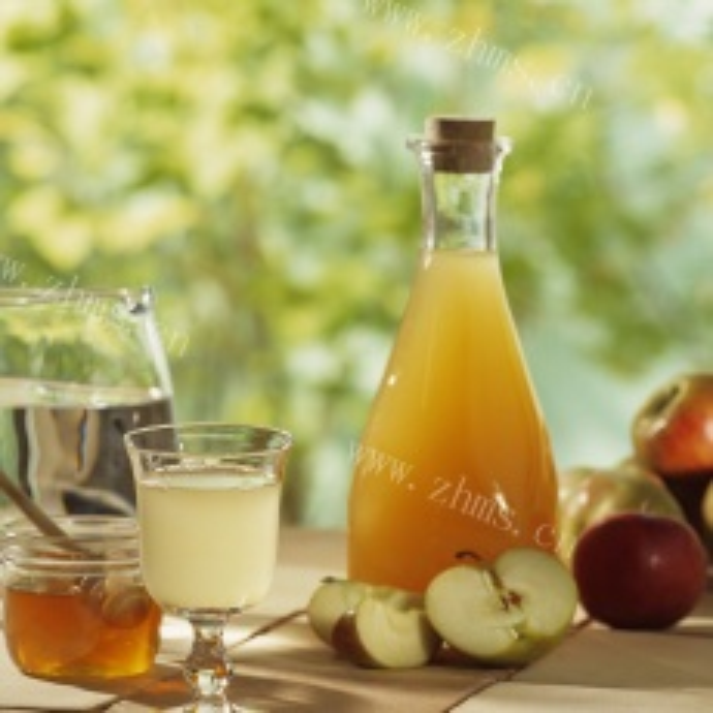 美味的自制苹果醋