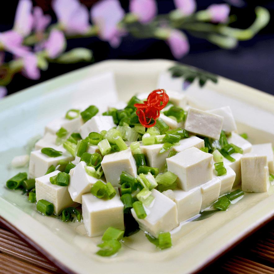 美味的小葱拌豆腐