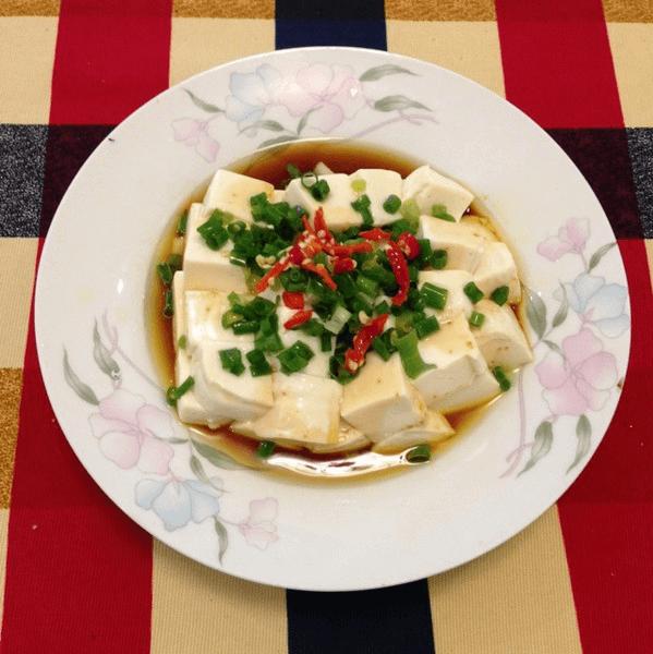 家常菜小葱拌豆腐