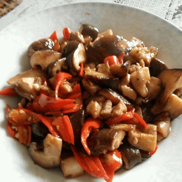 好吃的香菇炒肉