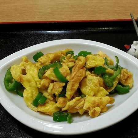 懒人菜尖椒炒鸡蛋