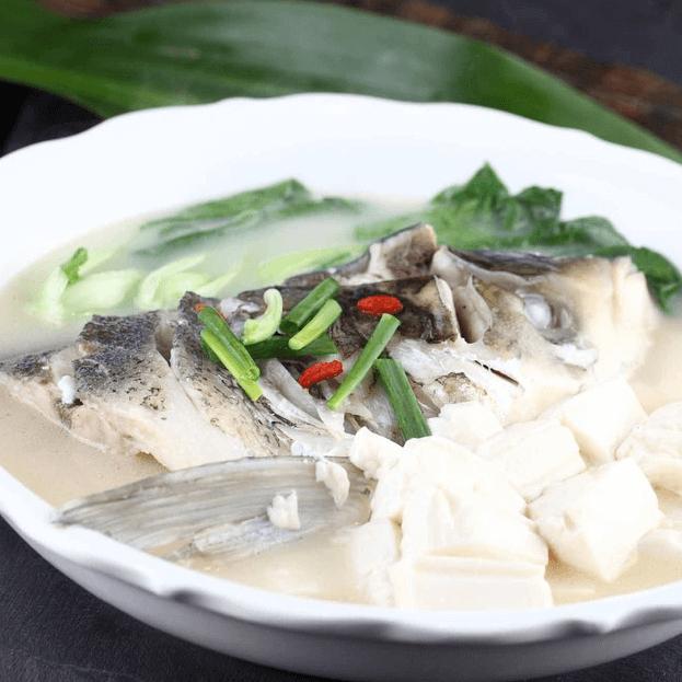 营养丰富的鱼头豆腐汤