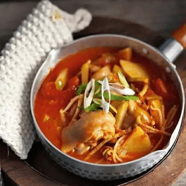 好吃的黄豆猪蹄汤