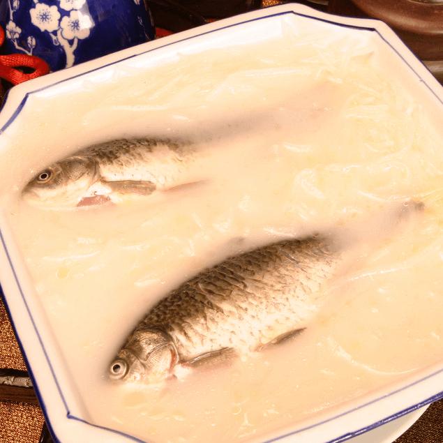 好吃的鲫鱼汤