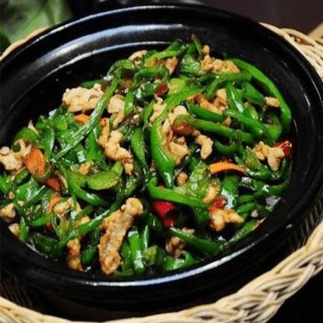 特色美食青椒肉丝