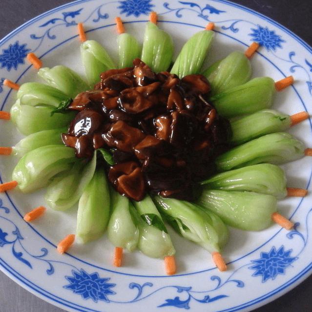 助消化的香菇油菜