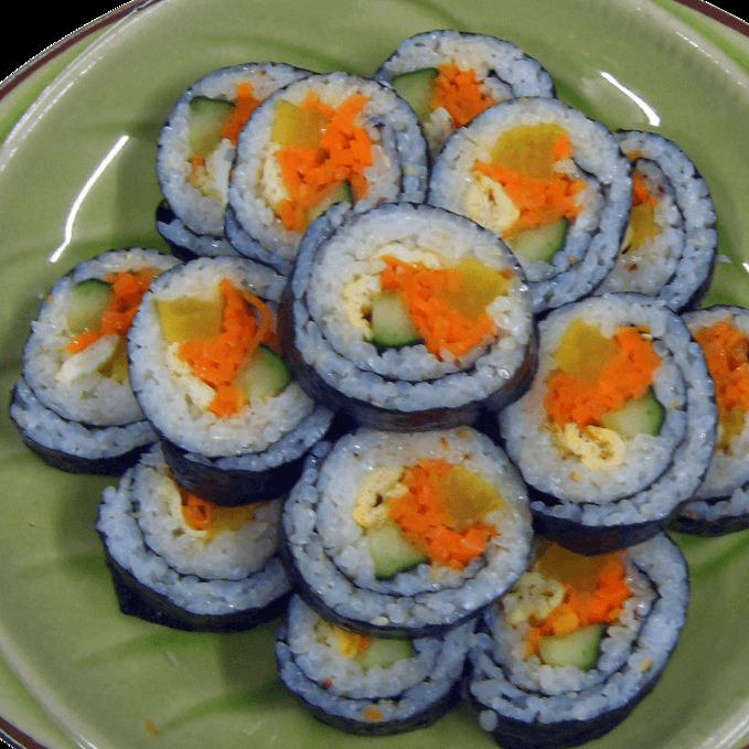 热腾腾的紫菜包饭