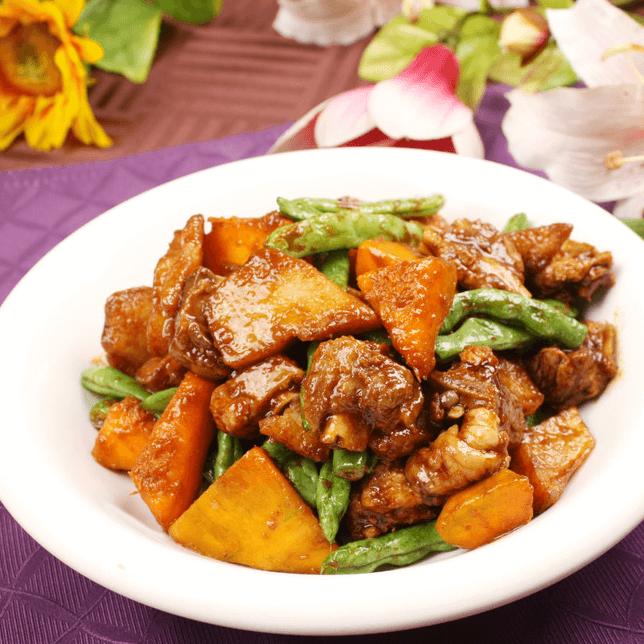 美味的五花肉炖豆角