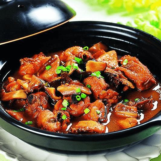 营养的香菇炖鸡