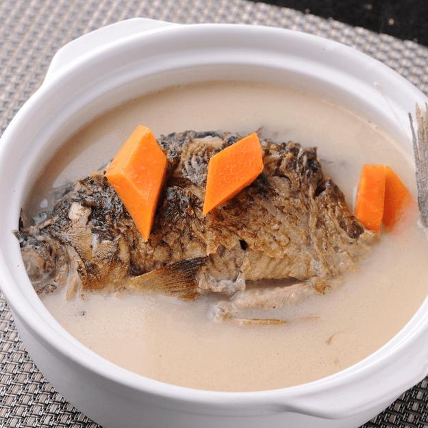 美味的鲫鱼汤