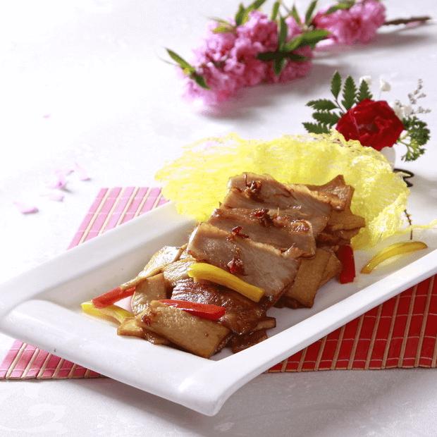 美味的杏鲍菇炒肉